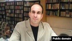 حسين قاضيان ، جامعه شناس در آمريکا