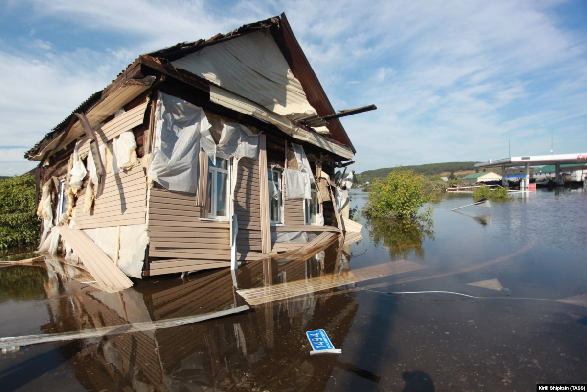 Количество погибших в результате наводнения в России выросло до 20