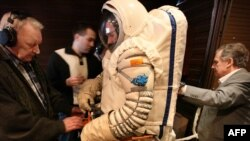 "Russia -- Scientists test the ""Orlan"" space suit inside the Mars500 isolation facility in Moscow, 04Jun2010"