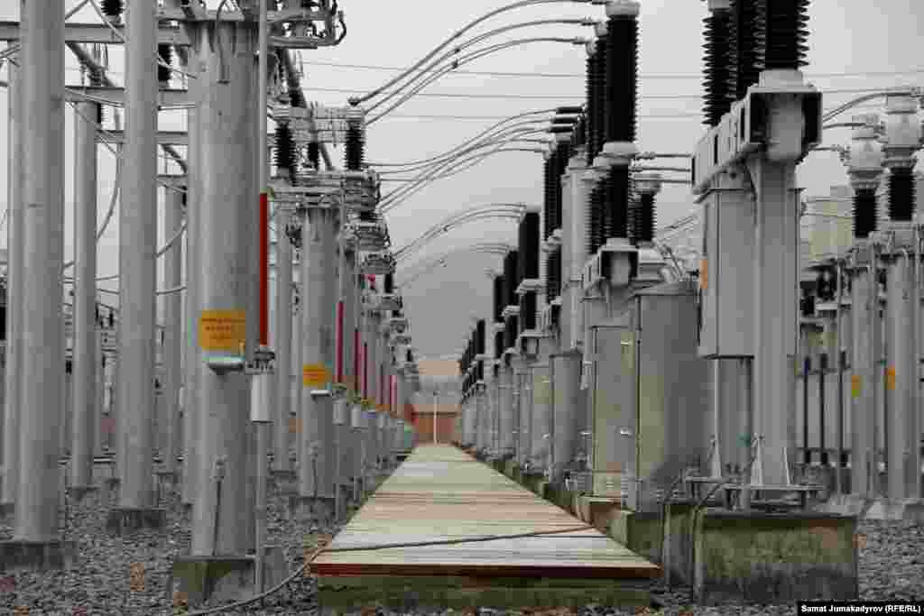 """""""Датка-Кемин"""" 500 кВ аба электр чубалгысынын курулушунун бүтүшү менен 500-200 кВ өз энергетикалык ички шакек түзүлдү."""