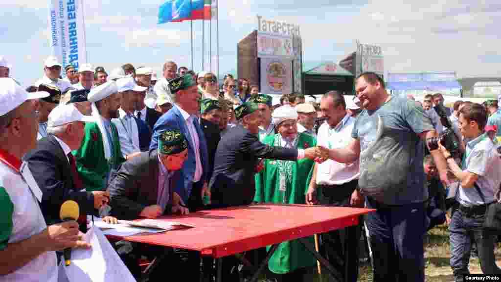 Татарстан кунаклары Ульян татарлары белән