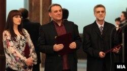 Наградените Тина Иванова-Бејков, Драган Антоновски и Предраг Димитровски.