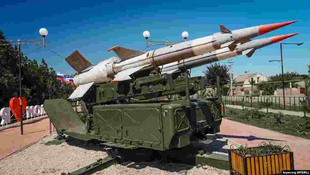 Списанный зенитно-ракетный комплекс С-125 «Печора» установили в сквере в 2018 году