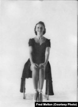 Антонина Тумковская, Нью-Йорк, 1948. Фото Fred Melton.