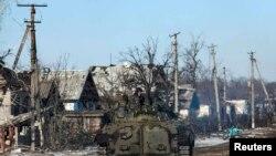 Ғарб ва Украина Россияни айирмачиларни дастаклашда айблайди