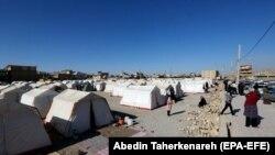 به گفته نماینده استان کرمانشاه، مردم مناطق روستایی در این استان زلزلهزده بدون سرپناه در شرایط بسیار سختی قرار دارند