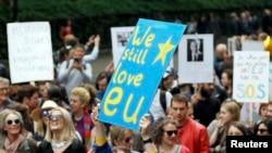 """Londonda """"Brexit""""ə qarşı etiraz aksiyası"""