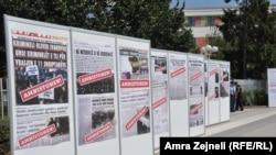 Bilbordi u Prištini protiv zakona o amnestiji, jul 2013.