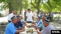 Residents of Isfara, where local authorities fear a rise in support for the banned Islamic Movement of Uzbekistan.