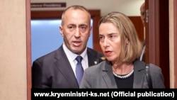 Kryeministri i Kosovës, Ramush Haradinaj dhe shefja për Politikë të Jashtme dhe Siguri e BE-së, Federica Mogherini. Fotografi nga arkivi.