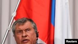 Rosneftin rəhbəri Sechin