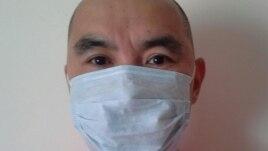 Еуразиялық одаққа қарсылық ретінде маска тағып алған белсенді Ербол Кушугуловтың Facebook парақшасындағы суреті.