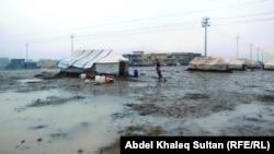 مياه الأمطار تغمر مخيم خانك للنازحين في دهوك