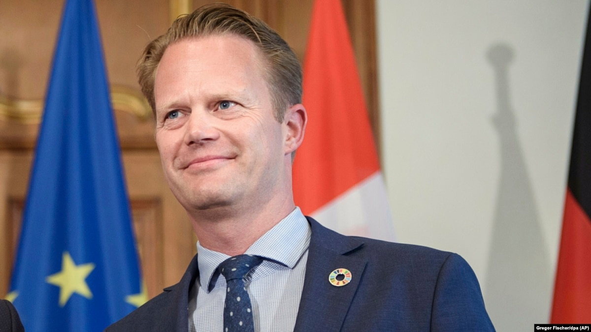 Глава МИД Дании отправится 7 февраля на Донбасс