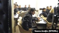 Desničari u sudnici, 17. april 2012.