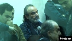 Арменияның оппозициялық саясаткері Жирайр Сефилян сотта отыр. Ереван, 2 ақпан 2018 жыл.