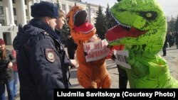 На митинге в Пскове, 23 марта 2019