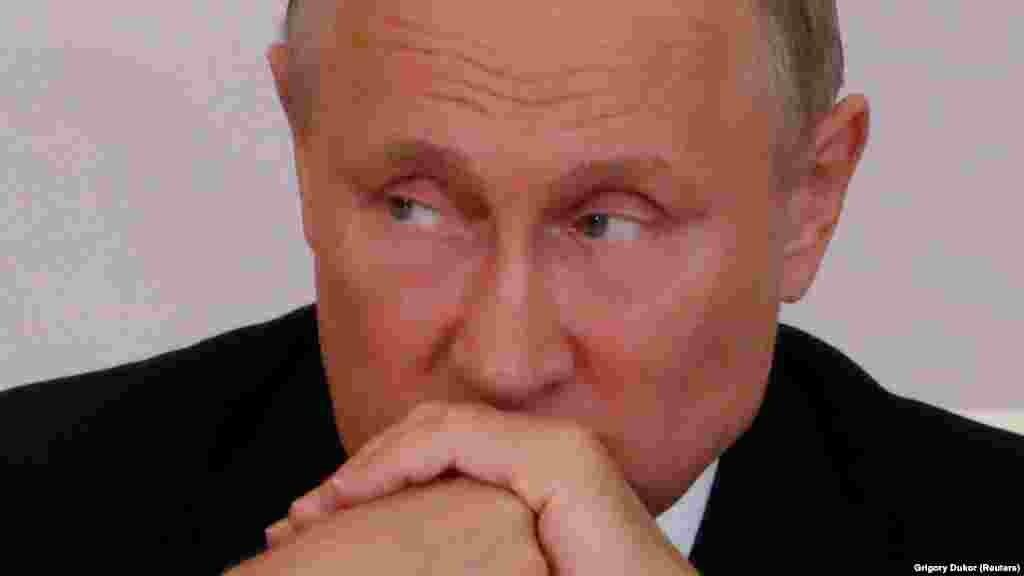 БЕЛГИЈА / РУСИЈА - Генералниот секретар на НАТО, Јенс Столтенберг најави дека на следниот самит во јули фокусот ќе биде ставен врз одговорот на Алијансата на потезите на Русија, но и врз можноста за дијалог со Москва. Од друга страна, полскиот претседател Анджеј Дуда изрази сомневање дека Русија е заинтересирана за чесен дијалог.