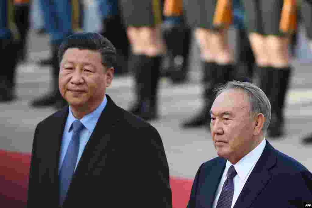 """""""Я готов вместе с Вами управлять рулем большого корабля китайско-казахстанской дружбы"""", - сказал Си Цзиньпин, обращаясь к Нурсултану Назарбаеву."""