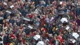 Церемонія прощання із загиблими в Керченському політехнічному коледжі. Керч, 19 жовтня 2018 року
