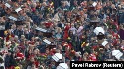 Церемония прощания с погибшими при нападении в Керченском политехническом колледже. Керчь, 19 октября 2018 года