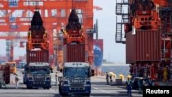 Темпы роста японского экспорта - на трехлетнем максимуме, благодаря ослабевшей иене и восстановлению зарубежного спроса