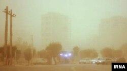 از روز ۲۳ بهمن بحران ریزگردها چندین بار باعث قطعی آب و در شهرهای استان خوزستان شده است.