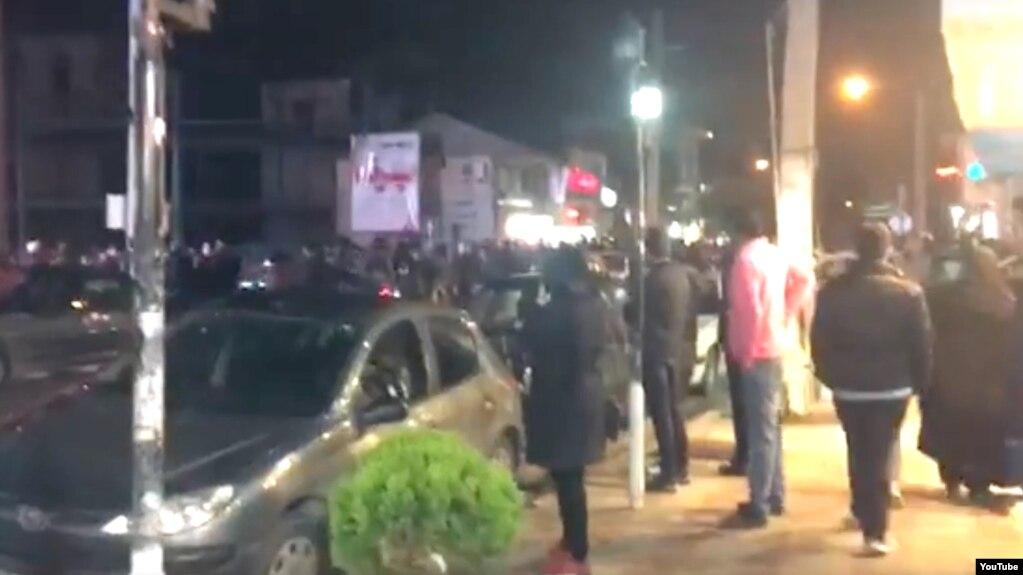 تصویری از تجمع معترضان در بهشهر.