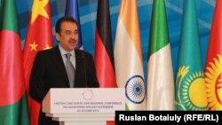 Қазақстан премьер-министрі Кәрім Мәсімов конференцияда тұр. Астана, 29 маусым 2015 жыл.
