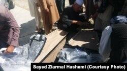 آرشیف، جسد یک افغان پناهنجو که در آبهای ترکیه غرق شد، در کابل به اقاربش تسلیم داده شد.