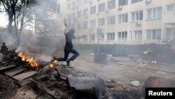В результате столкновений в Мариуполе есть погибшие и раненые