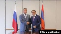 Председатель Национального собрания Армении Ара Баблоян (слева) и председатель Государственной Думы Р Вячеслав Володин (архив)
