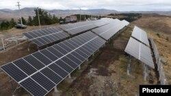 یک پروژه تولید برق آفتابی