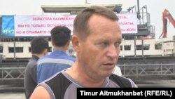 Николай Лаптев, рабочий компании, которая ведет строительство автобана Центр — Восток. Павлодарская область, 26 июля 2016 года.