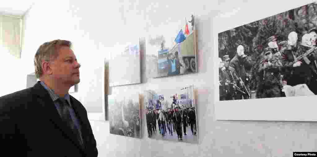 Посетители выставкивыразили надежду, что рано или поздно Бакиевы понесут наказание за убийства.