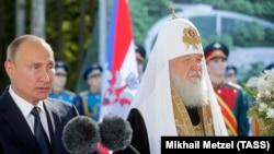 Президент РФ Владимир Путин и патриарх Кирилл на церемонии закладки главного военного храма. 19 сентября 2018. Фото ТАСС
