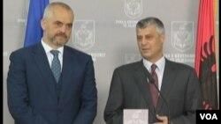 Edi Rama (majtas) dhe Hashim Thaçi