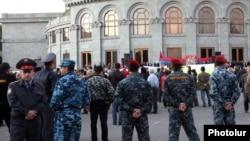 Площадь Свободы в Ереване, 1 октября 2011 г.