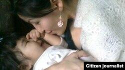 Женщина с ребенком. Фотография была предоставлена в рамках конкурса Азаттыка на лучший снимок. Автор: Тусирген Бакытгул Жаксыгали