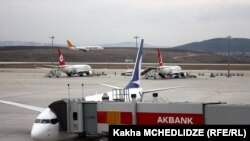 Территория аэропорта имени Сабихи Гёкчен в Стамбуле.