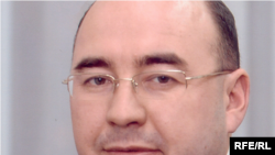 38 яшьлек яңа ректор Рәдиф Җамалетдинов.