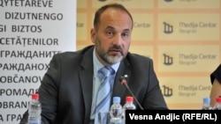Janković je kazao da će biti kandidat za predsednika, ali da je za Srbiju još nužnije da ima i Zaštitnika građana