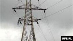 وزير نيرو: دليل کمبود برق خشکسالی و عدم صرفه جويی مردم در استفاده از برق است.