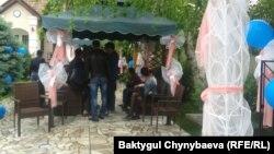 Кумсалардын тою болду делген мейманкана, Бишкек, 17-май