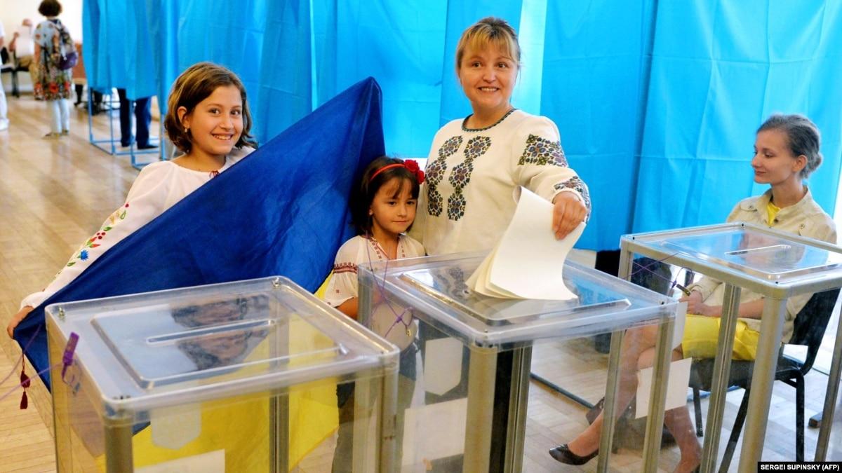 Украинцы имеют самый низкий в мире уровень доверия к власти (мировая пресса)