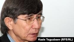 Оппозиционер Жасарал Қуанышәлин. Алматы, 22 қаңтар 2013 жыл.