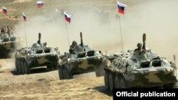 Ermənistandakı Rusiya tankları