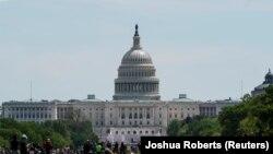 Вид на Капитолий, расположение конгресса США. Вашингтон, 2 мая 2020 года.