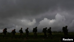 Израильские солдаты на учениях в районе Голанских высот