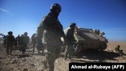 Іракські сили поблизу одного з сіл на південь від Мосула, Ірак, 19 лютого 2017 року